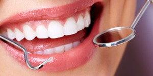 Importance of the regular dental check up and in office teeth cleaning